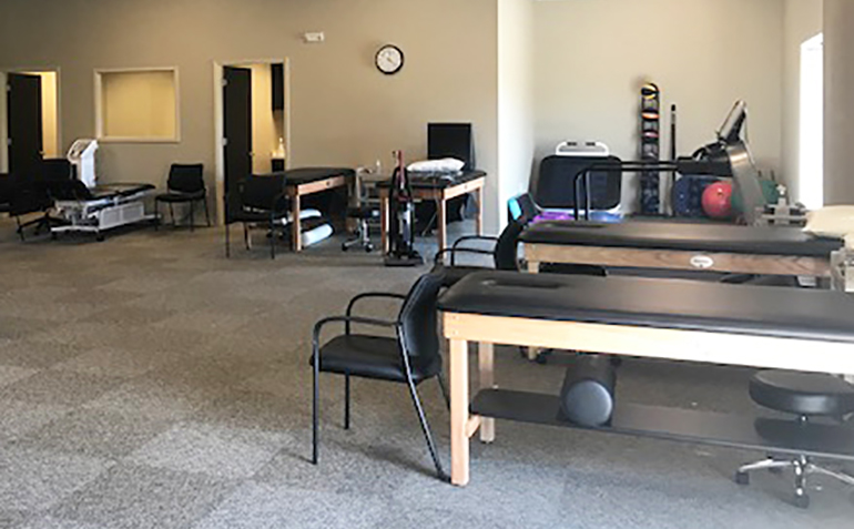 Drayer Physical Therapy in Ardmore, AL Treatment Tables