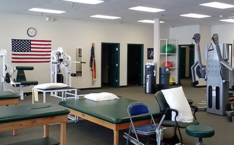 Drayer Physical Therapy in Bessemer, AL Clinic Tables