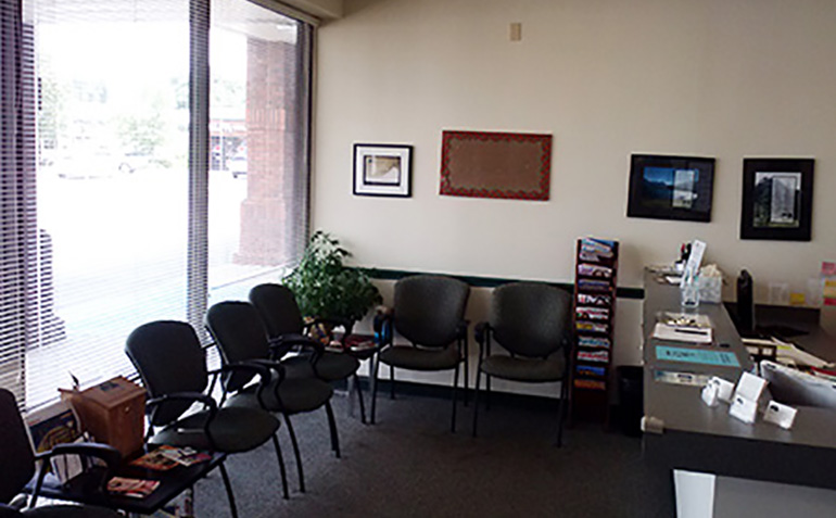 Drayer Physical Therapy in Bessemer, AL Clinic Waiting Room
