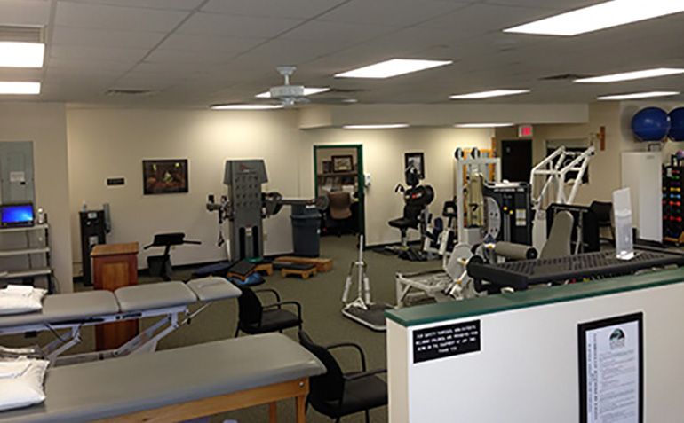 Drayer Physical Therapy in Cullman, AL Clinic Equipment