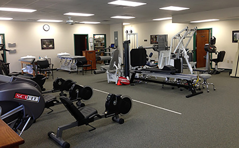 Drayer Physical Therapy in Cullman, AL Clinic Interior
