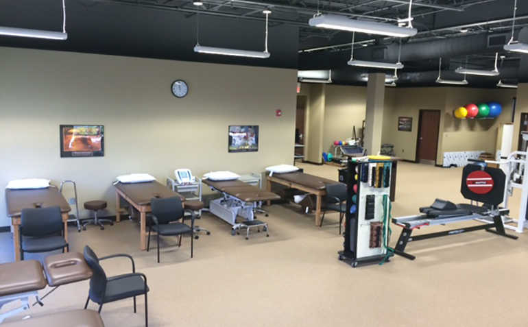 Drayer Physical Therapy in Gardendale, AL Treatment Tables