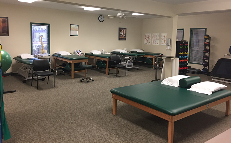 Drayer Physical Therapy in Florence, AL Treatment Tables