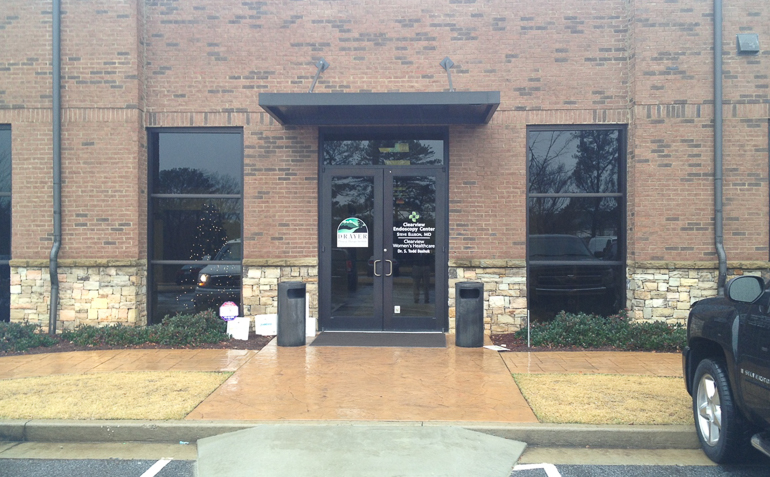Loganville GA Drayer Physical Therapy Clinic Exterior