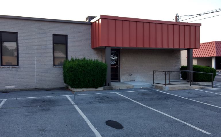 Chambersburg PA Drayer Physical Therapy Clinic Exterior