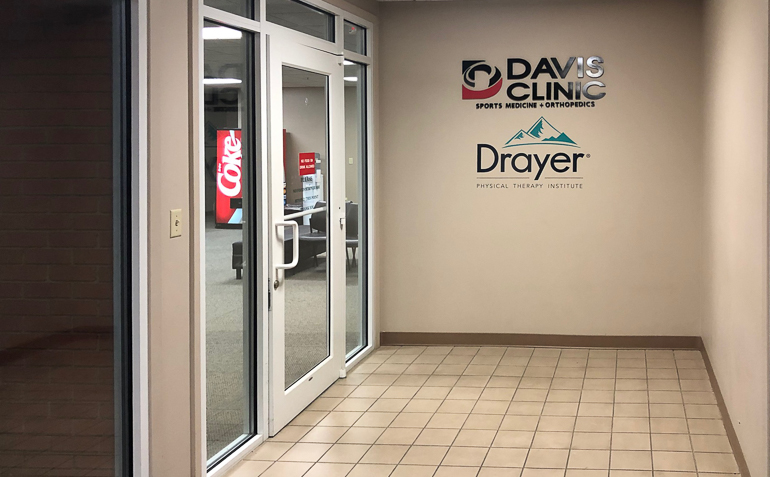 Tuscumbia AL Drayer Physical Therapy Clinic Entrance
