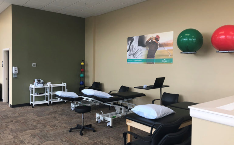 Drayer Physical Therapy in Fulton, MD (Maple Lawn) Treatment Tables